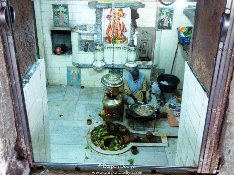 Inside The Temple Galateshwar Mahadev Temple Near Dakor Gujarat 3