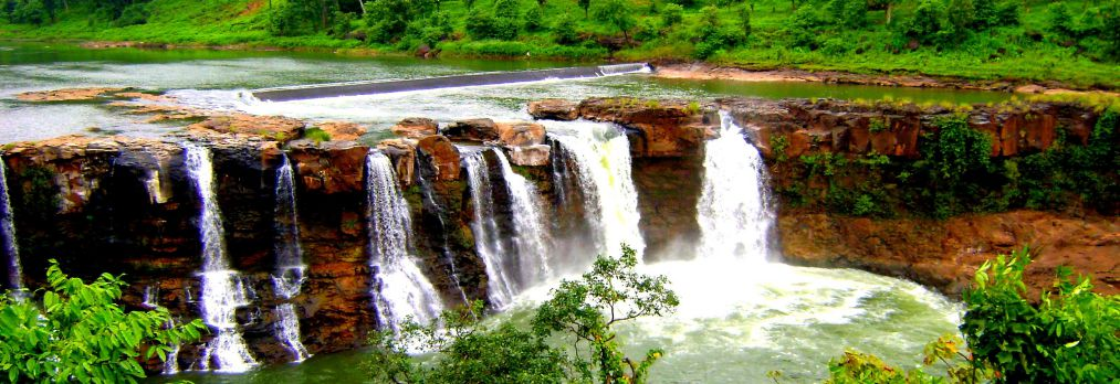 Featured Image - List of Waterfalls in South Gujarat