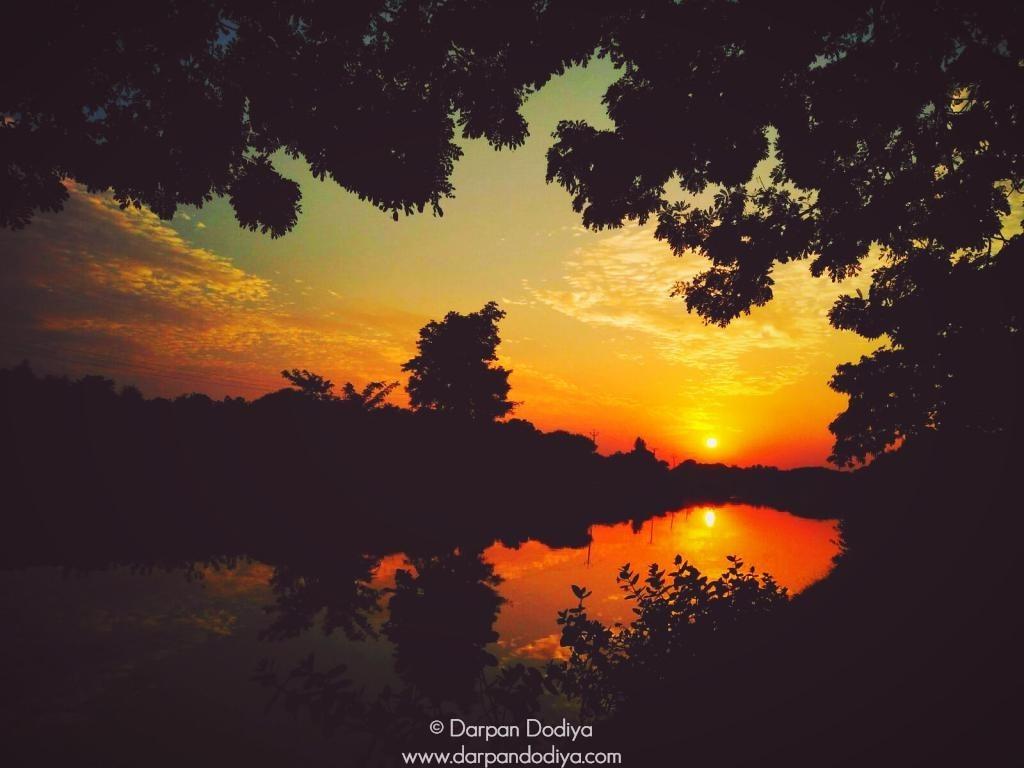 Sunrise & Sunset Store - Masking Sun With Lens - 16