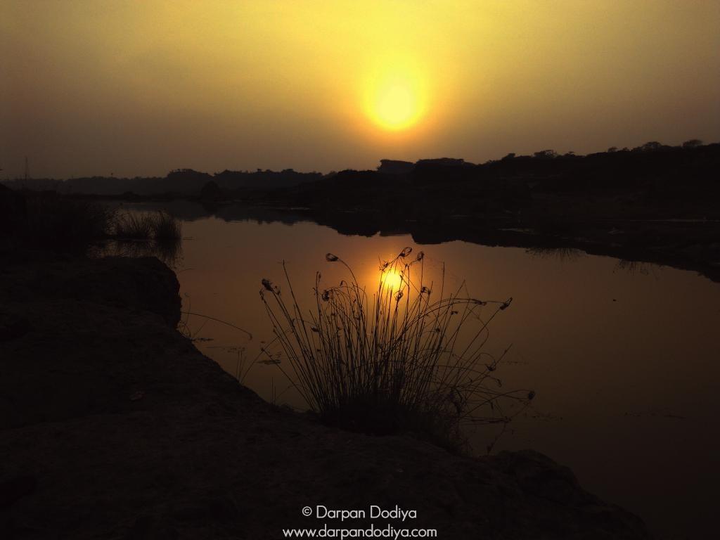 Sunrise & Sunset Store - Masking Sun With Lens - 2