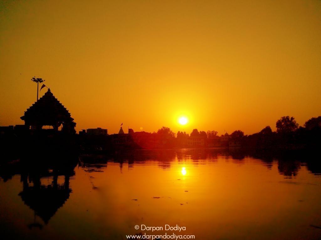 Sunrise & Sunset Store - Masking Sun With Lens - 3
