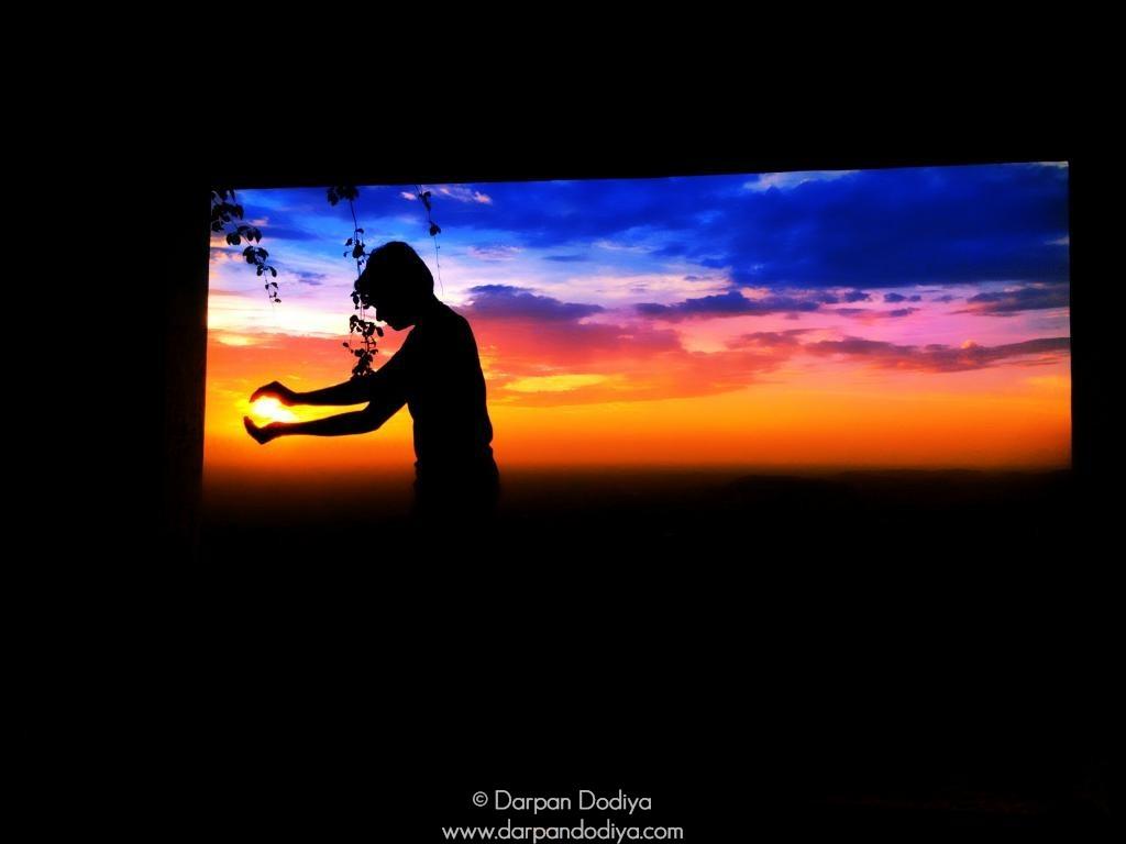 Sunrise & Sunset Store - Masking Sun With Lens - 4