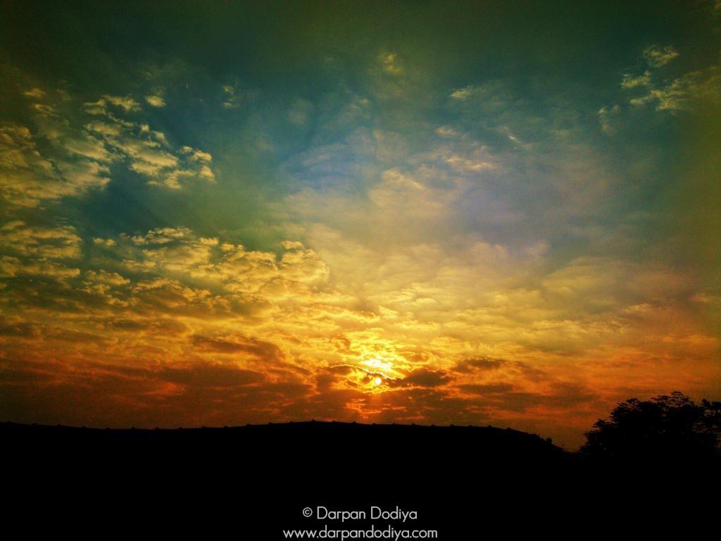 Sunrise & Sunset Store - Masking Sun With Lens - 7