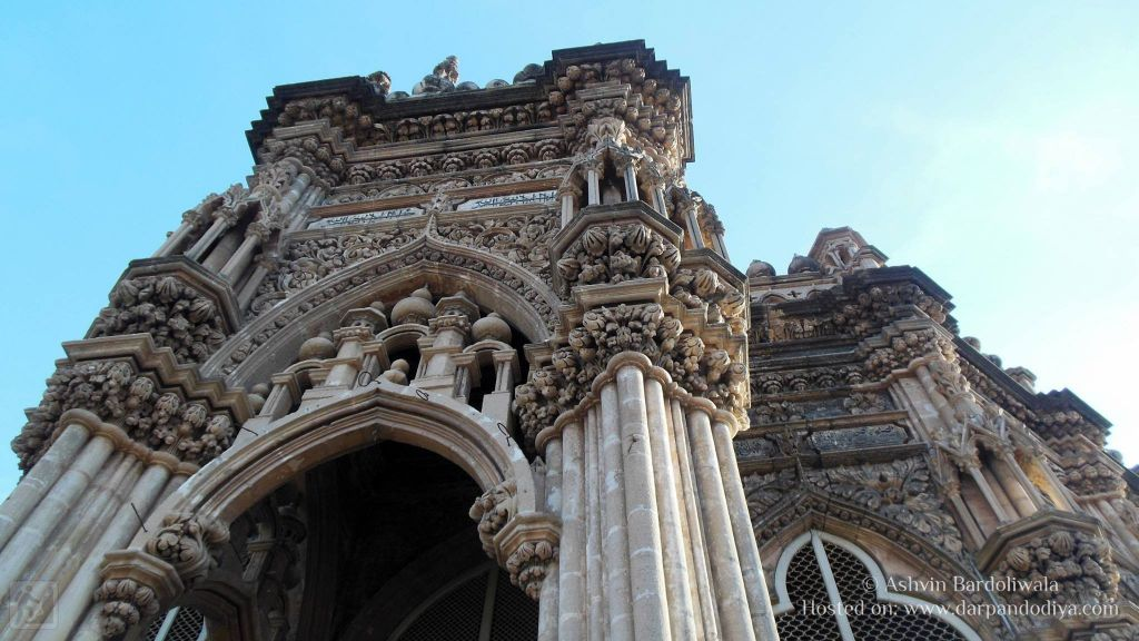 Mahabat Maqbara Mausoleum Architecture : Makbara Palace In Junagadh, Gujarat