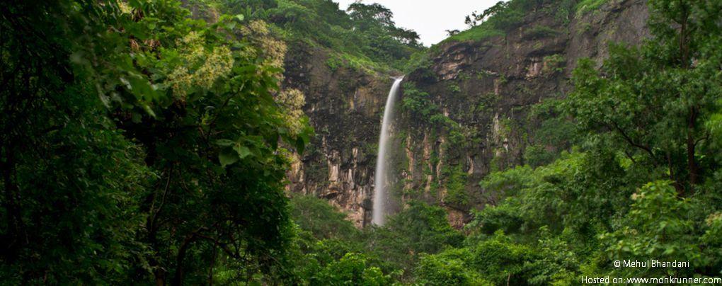 Khuniya Mahadev Falls Near Pavagadh, Vadodara Cover