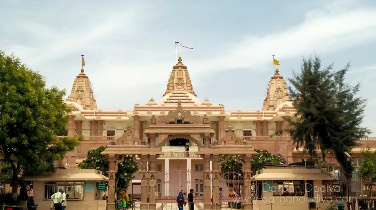 Featured Tri Mandir Adalaj Gujarat