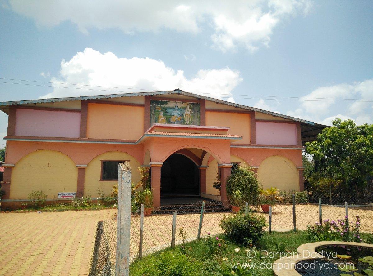 Parking and Compound - Maa Shabari Farmhouse And Resort Dang 3
